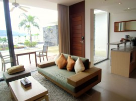 1 bedroom apartment with fabulous seaview