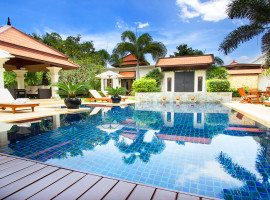 Exclusive four bedroom luxury villa in Bang Tao with private pool and tropical garden