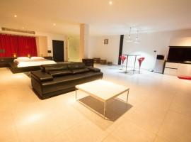 Supersized  100 sq m Studio in Patong
