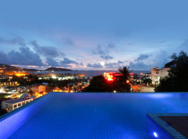 Two bedroom Apartment in condominium with infinity pool
