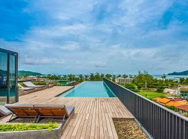 Luxury Studio in a brand new condo with rooftop infinity pool with sea view